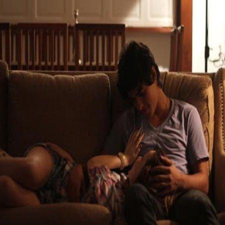 Foto De Enamorados En Casa