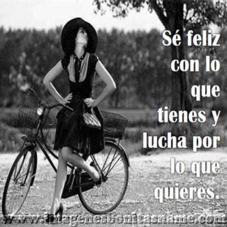 Mujer Posando Con Su Bici Imagenes Bonitas Frases Bonitas