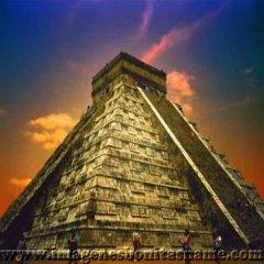 Piramide De Chichen Itza Yucatan Mexico